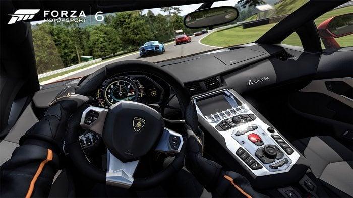 Forza Motorsport 6 Apex Lamborghini kokpiti